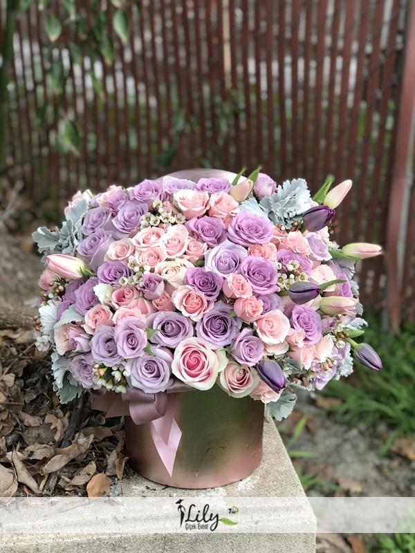 kutuda 51 adet pepme lila güller
