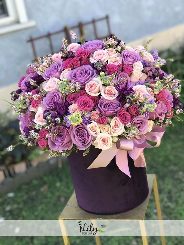 özel renk güllerden kutu tasarımı