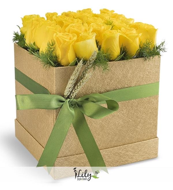 Kare kutuda sarı güller