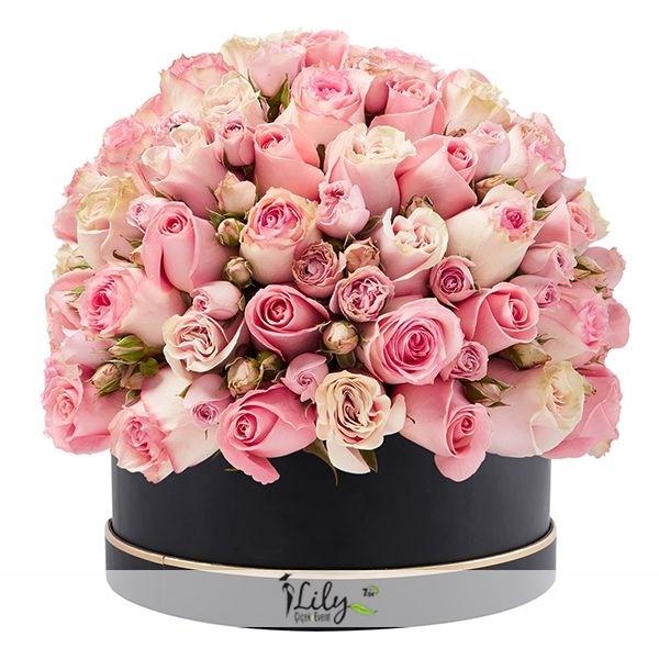 kutuda özel pembe güller