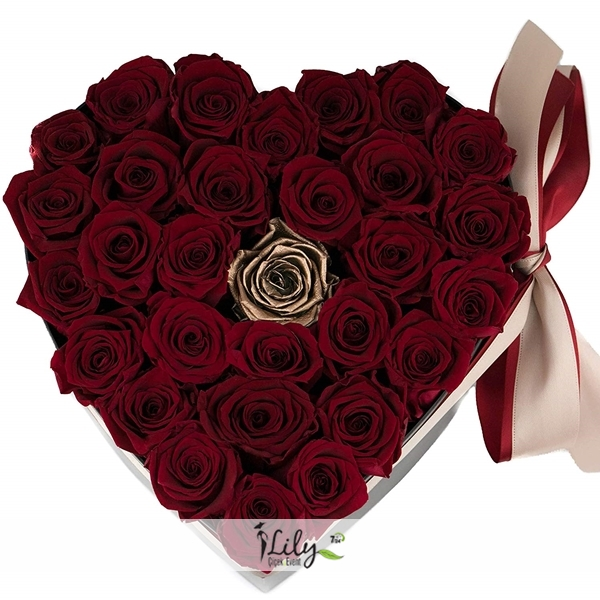 kalp kutuda 25 adet ithal güller