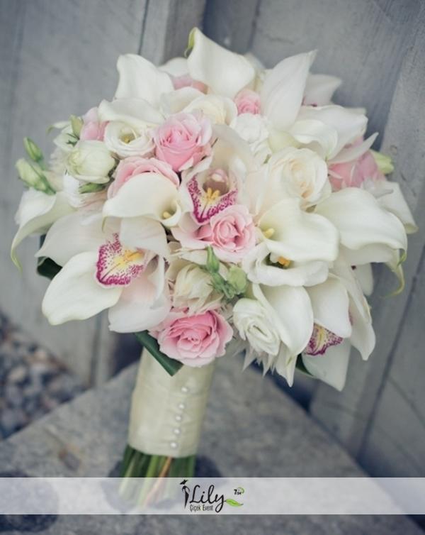 gala gül ve orkidelerden gelin buketi