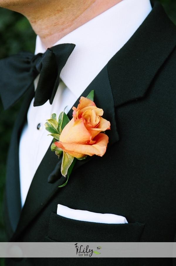 turuncu gül damat yaka çiçeği ( 3 adet )