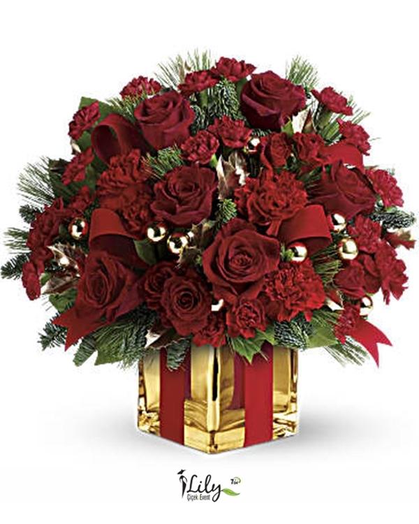kare camda güller ve karanfiller