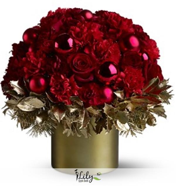 seramikte güller ve karanfiller