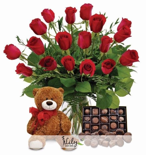 vazoda güller şirin aycık ve çikolatasıyla
