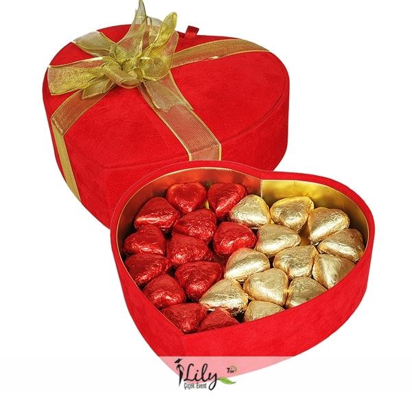 kalp kutuda çikolatalar