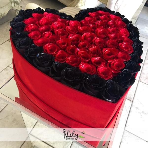 vip siyah ve kırmızı güller