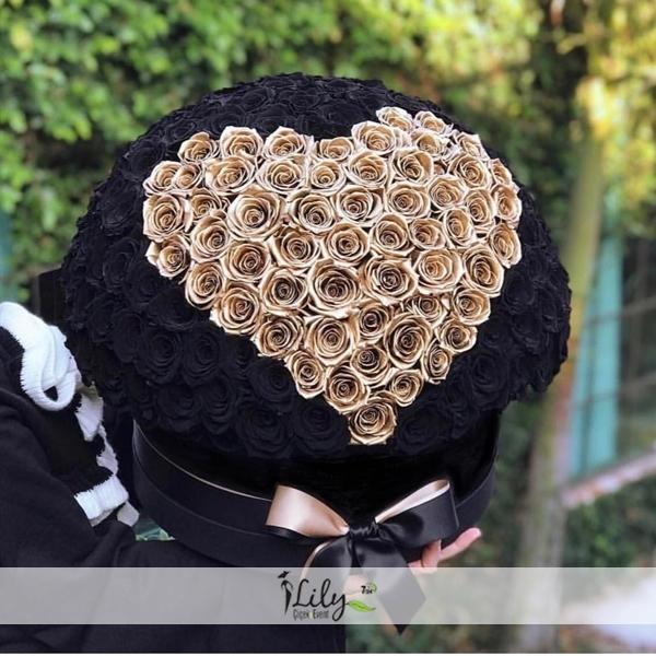 151 adet özel siyah ve gold güller