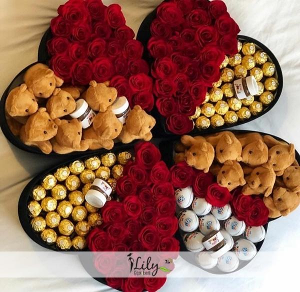 4 adet kalp kutuda güller çikolata ve ayıcıklar