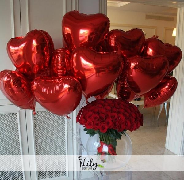 fanusta 101 gül ve 10 adet balon