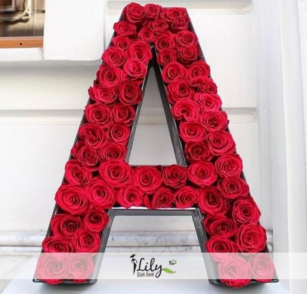 Baş harfini güllerle yazalım