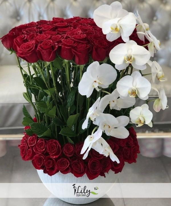 özel tasarım güller ve orkideler