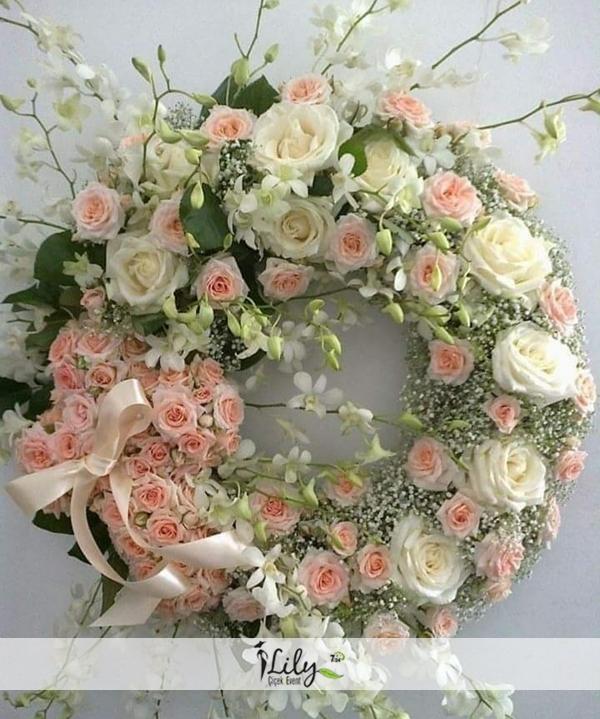 pembe güllerden korbey