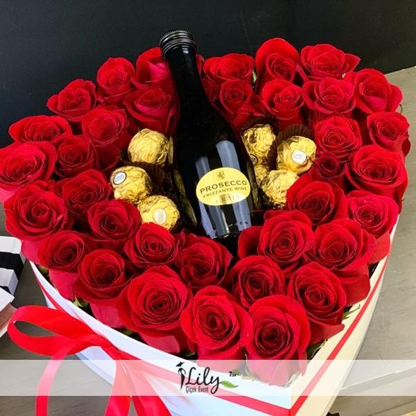 özel kalp kutu güller
