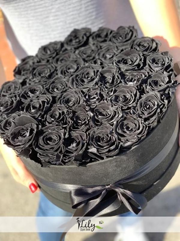 kutuda siyah güller