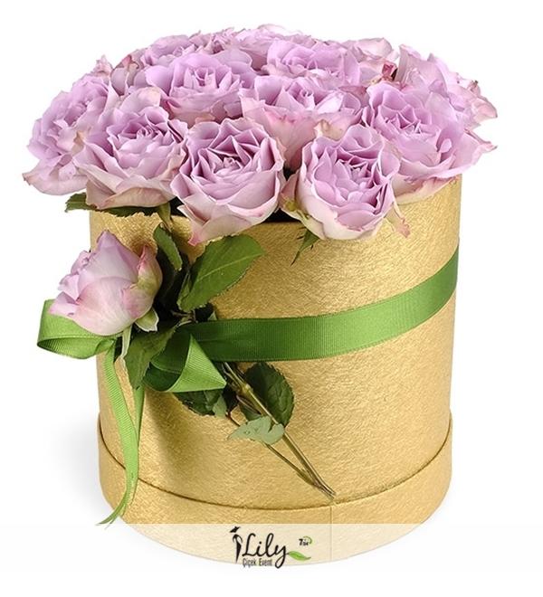 kutuda lila güller