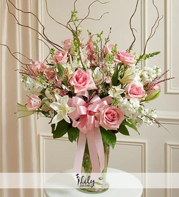 pembe beyaz mevsim çiçekleri